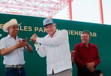 Ordena AMLO auditar fideicomiso para el deporte; pide pruebas contra Guevara