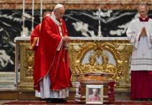 El Vaticano abre debate sobre sacerdotes casados