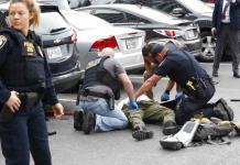 Hombre armado abre fuego frente a la Corte federal de Dallas