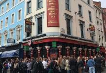 Beber una cerveza desnudo ya es posible en el primer pub nudista de Londres