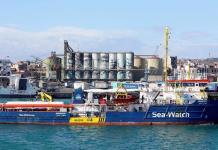 """Mantiene Italia """"puertos cerrados"""" a barco de Sea Watch con 43 migrantes"""
