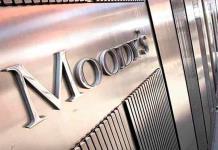 Políticas impredecibles socavan confianza de inversionistas Moody's