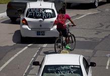 Automovilistas pagan el acoso oficial a Uber