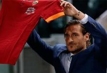 Francesco Totti se despide de AS Roma envuelto en polémica