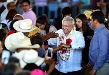 Confirma López Obrador celebración en el Zócalo a un año de su victoria