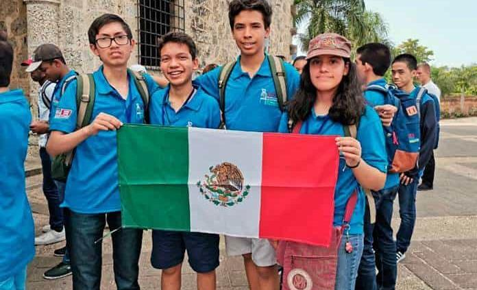 Quadratín: Ganan oro niños apoyados por Del Toro en olimpiada matemática