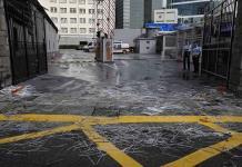 Dispersan protesta tras bloqueo de sede policial en Hong Kong