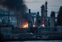 Se incendia una refinería en EU