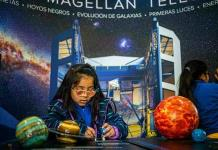 Niños chilenos ciegos se acercan a eclipse solar
