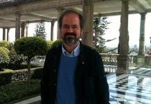 Becas deben ser rotativas: Juan Villoro