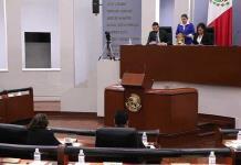 Dos asesores legislativos reciben alza salarial ilícita