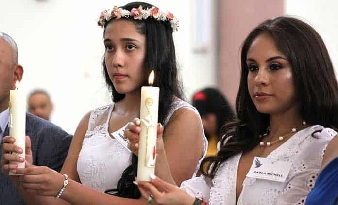 Paola Longoria López y Hannia Gisell Nieto reciben sacramento de confirmación