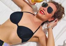 Thalía presume cintura en bikini