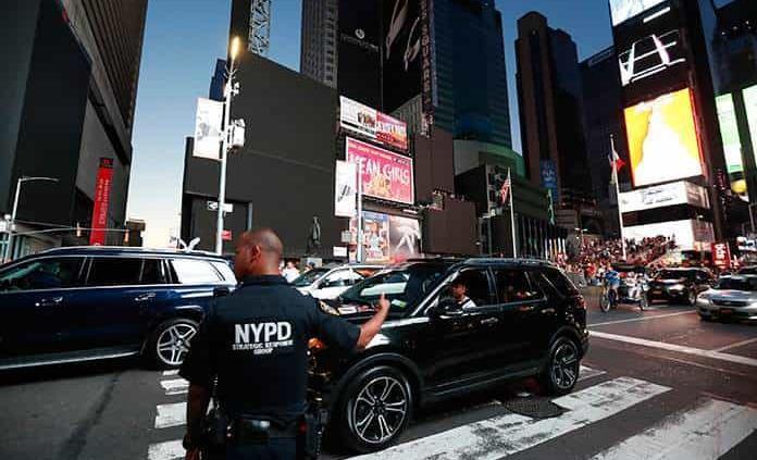 Apagón deja a Manhattan a oscuras