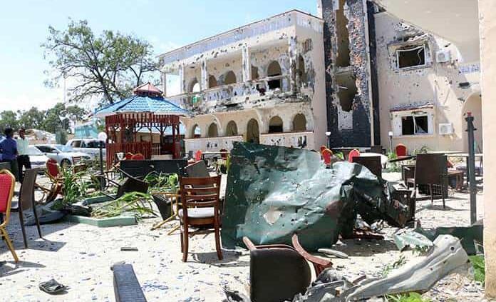 Violento asedio en hotel somalí