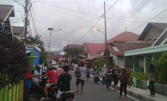 Terremoto de magnitud 7,3 sacudió islas Molucas en Indonesia