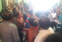 Protesta violenta irrumpe en Cabildo