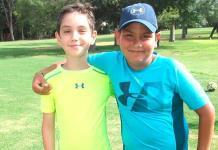 Niños practican golf en el Club Campestre