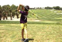 Niños anhelan triunfar en el golf