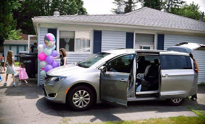 Desafiando los pronósticos, la minivan se resiste a partir