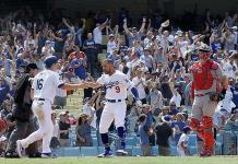 Dodgers reaccionan en el 9no. y vencen a Cardenales