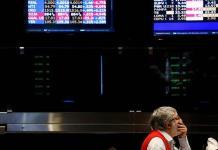 Los mercados se derrumban en Argentina tras derrota electoral de Macri