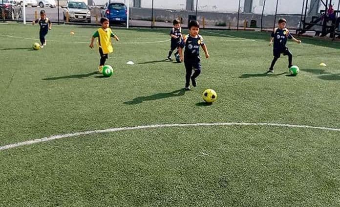 Invitan a todos los niños a los entrenamientos de la Escuela de Futbol América