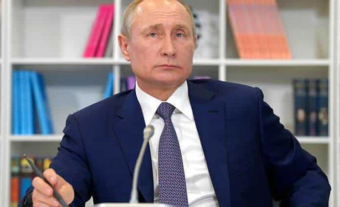 Putin cumple 20 años en el poder en pleno declive de su modelo