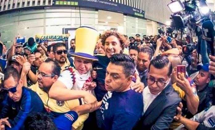 Llegó el portero Guillermo Ochoa a Ciudad de México