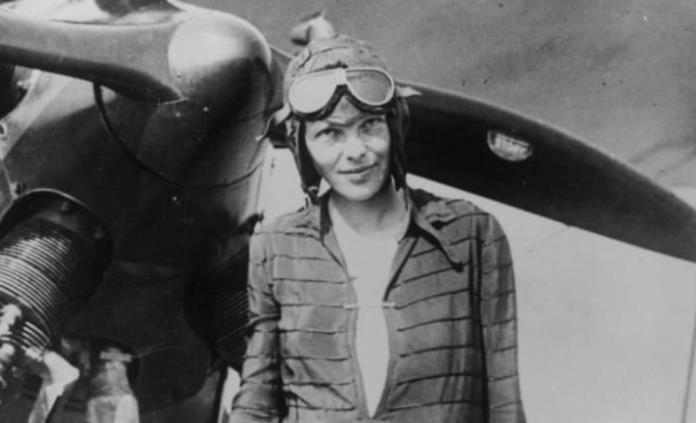 El descubridor del naufragio del Titanic busca el avión de Amelia Earhart