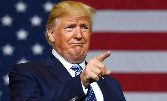 Trump insiste en promover teorías conspirativas sin pruebas
