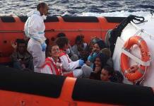 ONG pide el desembarco de migrantes
