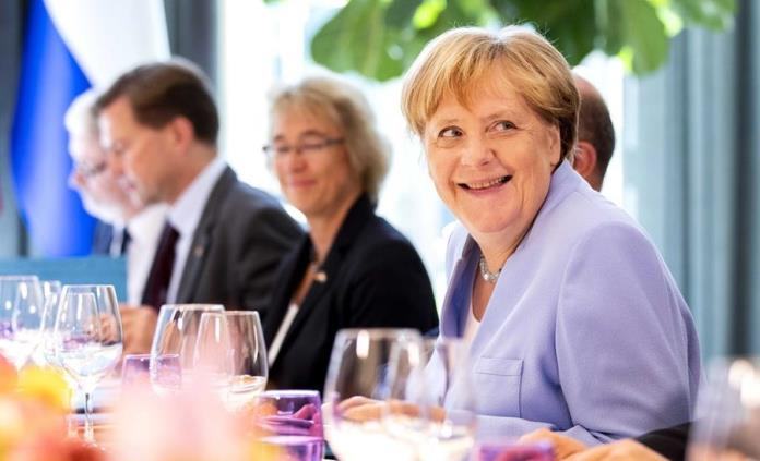 Merkel pide Unión Europea adoptar neutralidad climática para 2050