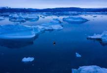 Exposición muestra a los habitantes del Ártico ante el hielo que se derrite bajo sus pies