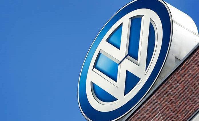 VW llama a reparar cientos de miles de vehículos en EEUU