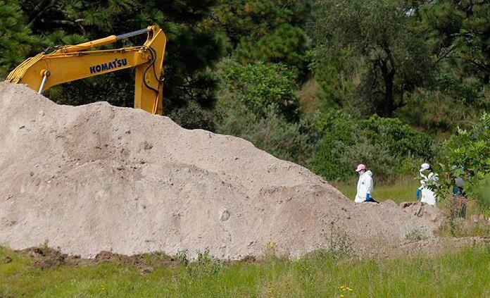 Hallazgo de fosa con 44 cadáveres agudiza crisis forense en Jalisco