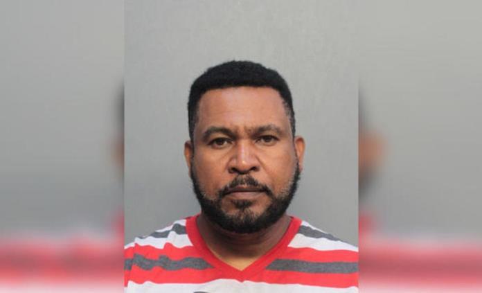 Detienen a pastor de Florida por presunta violación de niñas
