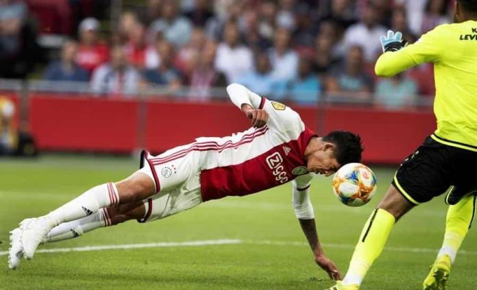 Ajax golea a Heerenveen con Edson Álvarez de titular