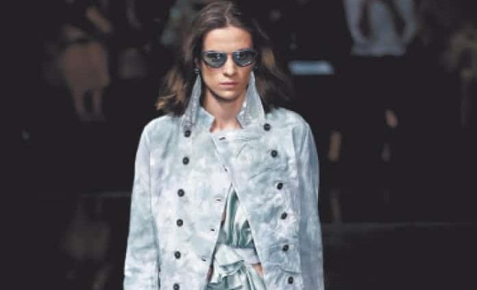 Giorgio Armani lanza colección elegante en tonos pastel