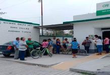 Toman sede de CFE en Tamuín por alto cobro