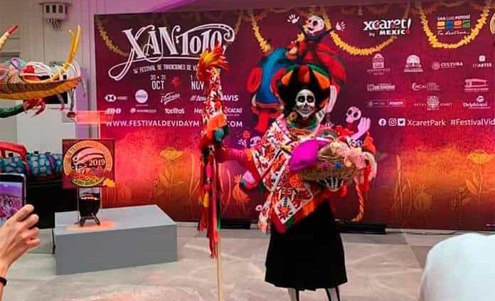 Axtla presentó en CDMX festividades del Xantolo