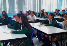 Ofrece pláticas en escuelas Instancia M. de la Juventud