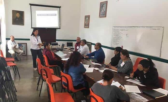 DH imparte curso en Villa de La Paz