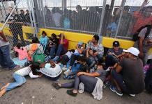 Tras bloqueo migrante, reabre puente fronterizo EEUU-México