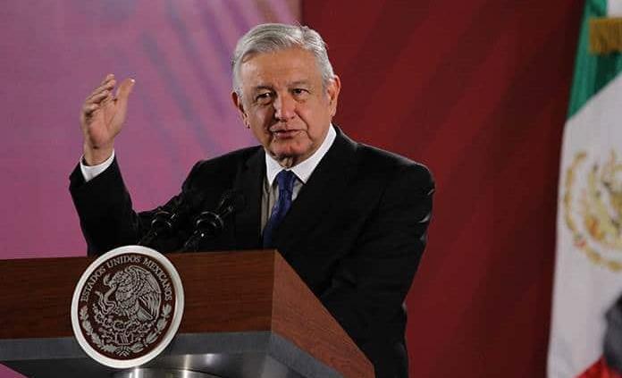 """""""En S. Lucía todo fue legal"""": AMLO"""