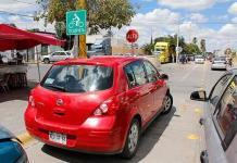 Impune invasión de ciclovía en Av. de las Haciendas