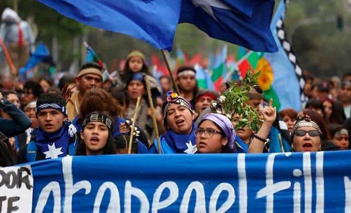 Mapuches se manifiestan en Chile para reivindicar la resistencia indígena