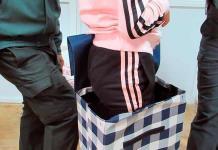 Detienen a un español al intentar pasar a Melilla a una niña siria en carrito de compras