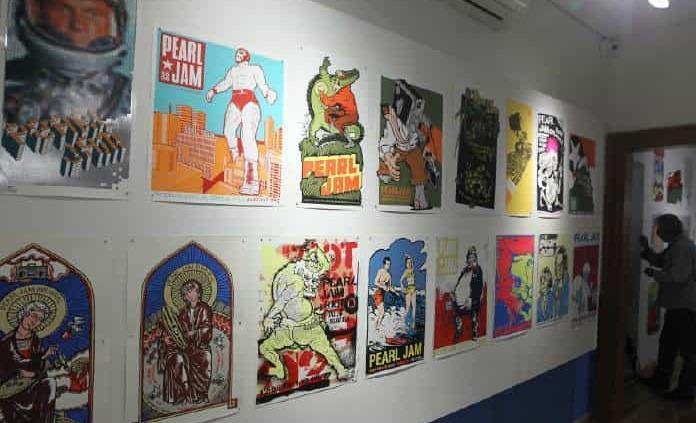 De Metallica a Juan Gabriel, un recorrido por pósteres de colección