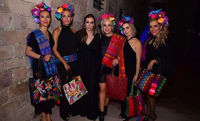 Claudia Aguilera lanza colección de bolsas